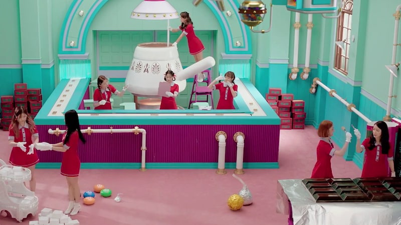 "Update: gugudan Unveils MV Teaser For ""Chococo"""