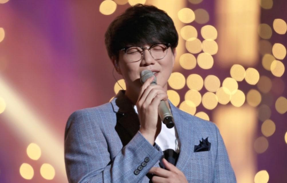 Biasa Nyanyi Slow Sung Si Kyung Tiba-tiba Saja Menghentak Penggemar Dengan Lagu BTS