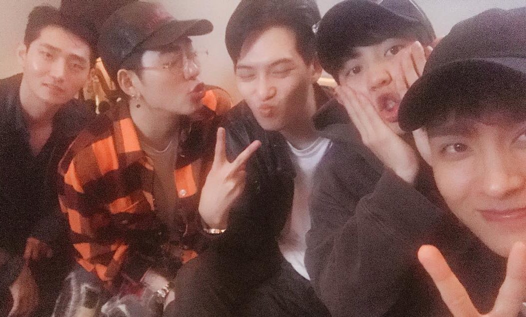 EXO's Chanyeol Hangs Out With Choi Tae Joon, Block B's Zico, And CNBLUE's Lee Jong Hyun In Japan