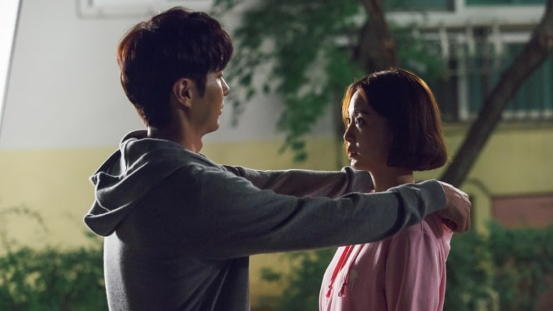 """20th Century Boy And Girl"" Hints At Han Ye Seul And Kim Ji Suk's Blooming Romance In New Stills"