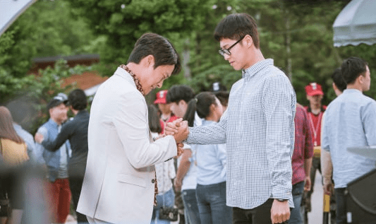 """""""Melo Holic"""" Teases Strong Bromance Between TVXQ's Yunho And Choi Dae Chul In New Stills"""