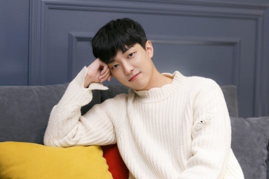 "Lee Yoo Jin Opens Up About How Personal Experience Drew Him To His ""Age Of Youth 2"" Character"