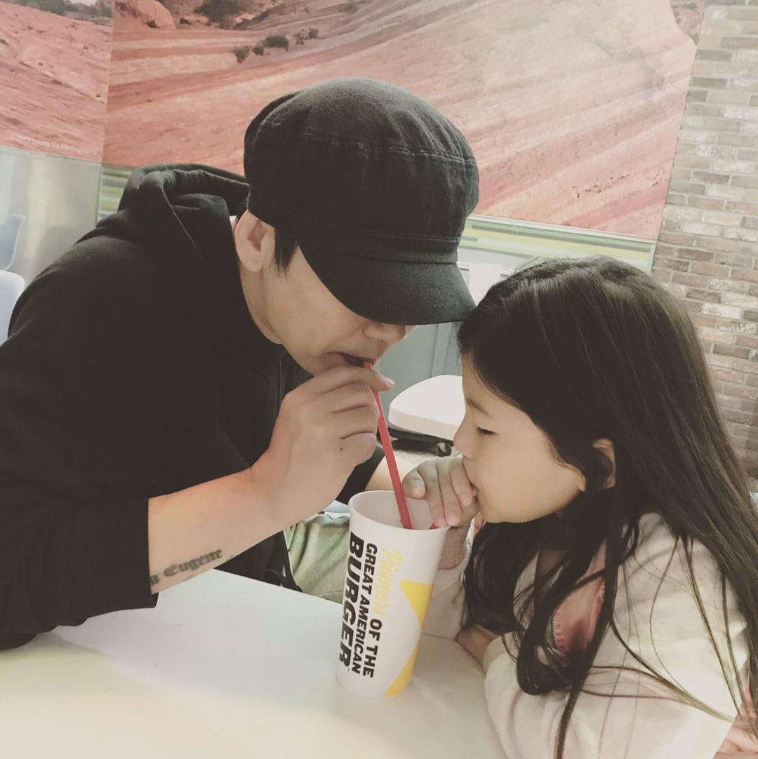 Yang Hyun Suk Shares Precious Photos With His Daughter