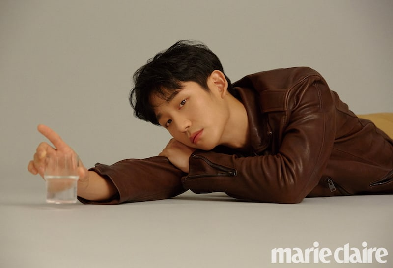 """Jung Hae In Reveals In What Ways He Is Like His """"While You Were Sleeping"""" Character"""