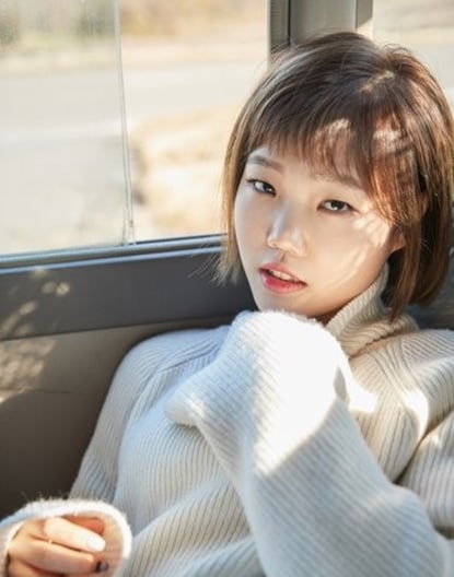 Akdong Musician's Lee Soo Hyun Explains Why She'll Never Get Plastic Surgery