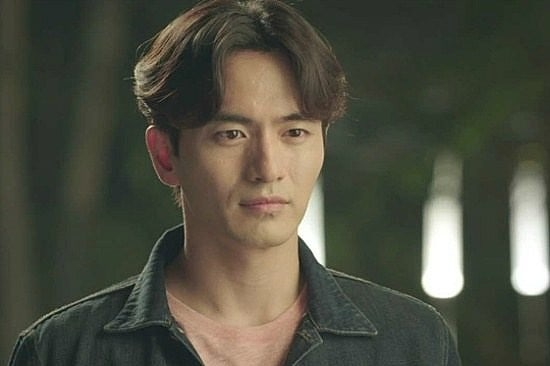 Lee Jin Wook Confirms Casting In First Commercial Movie After Halt In Activities