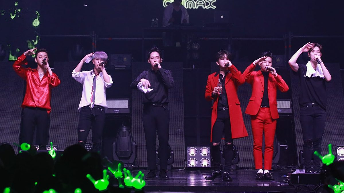 """B.A.P Slays Absolutely Perfectly At Climax Of """"2017 World Tour 'Party Baby'"""" In Seoul"""