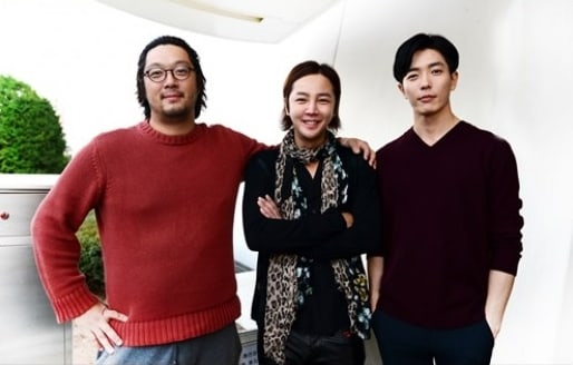"""Jang Geun Suk Personally Gifts """"Degree Of Love"""" Cast And Crew With Food Truck"""