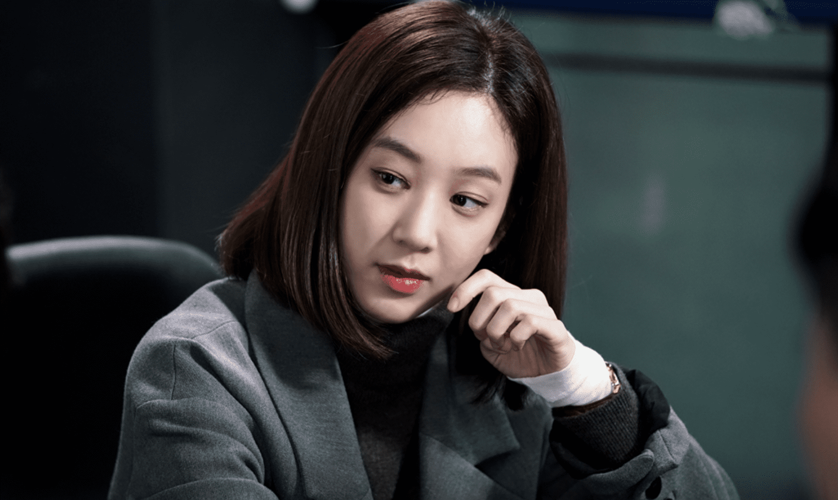 """Jung Ryeo Won Is The Queen Of The Unimpressed Face In Stills For """"Witch's Court"""""""