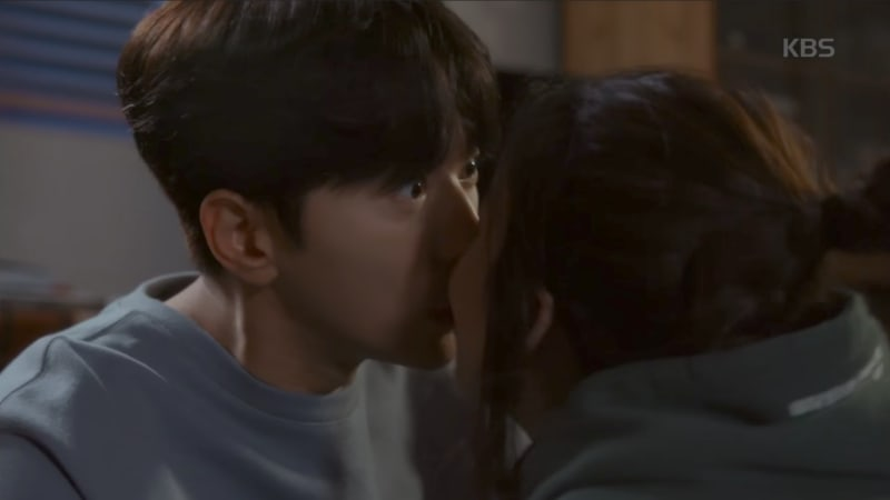 """Yoon Hyun Min And Jung Ryeo Won Talk About Their Kiss Scene In """"Witch's Court"""""""