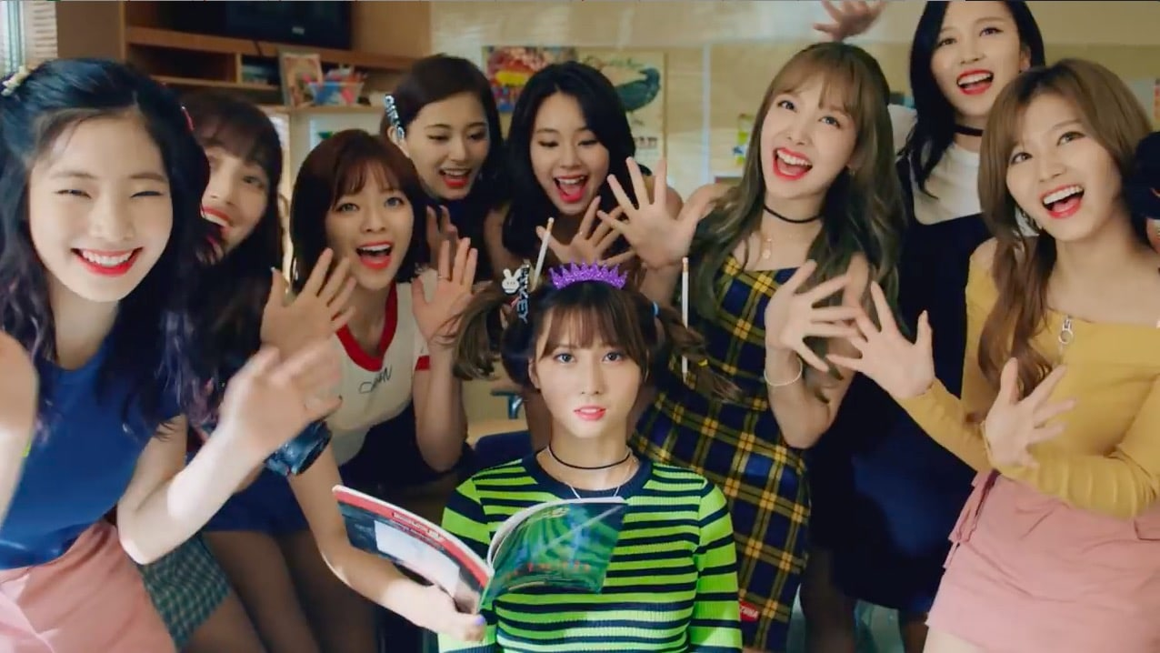 "TWICE Grabs No. 1 Spot On Many Realtime Charts With ""Likey"""