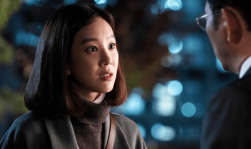 "Jung Ryeo Won Fiercely Confronts Jun Kwang Ryul In Latest Stills For ""Witch's Court"""