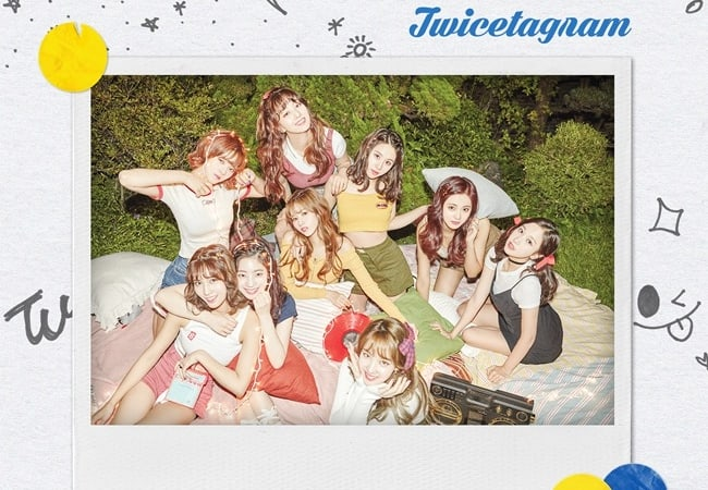 """TWICE Surpasses 330,000 In Stock Pre-Orders + Achieves Success On iTunes Charts With """"Likey"""""""