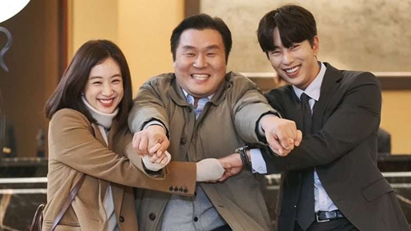 """Witch's Court"" Cast Displays Adorable Teamwork Behind The Scenes"