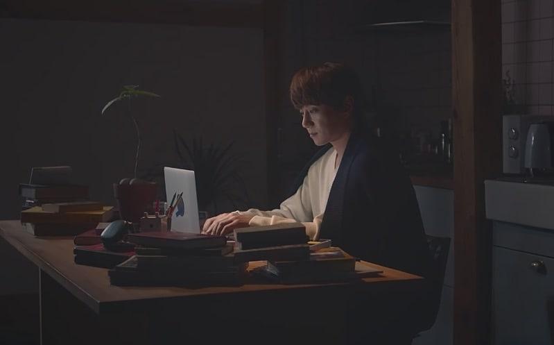 "Watch: Hwang Chi Yeol Sings Of ""Rewind""-ing To Happier Times In New MV"
