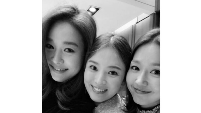 Song Hye Kyo Shows Off Her Long-Running Friendship With Ock Ju Hyun And Lee Jin