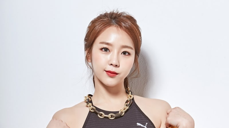 Yewon Receives Ear Surgery, Currently Recovering