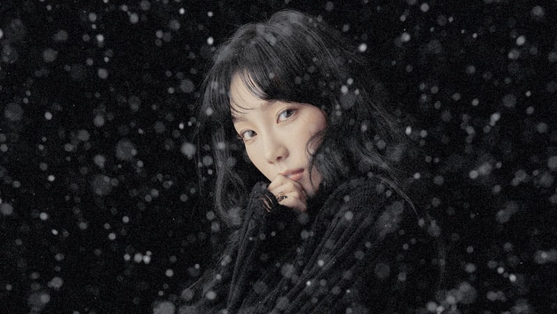 "Girls' Generation's Taeyeon Tops All Major Realtime Charts With ""This Christmas"""