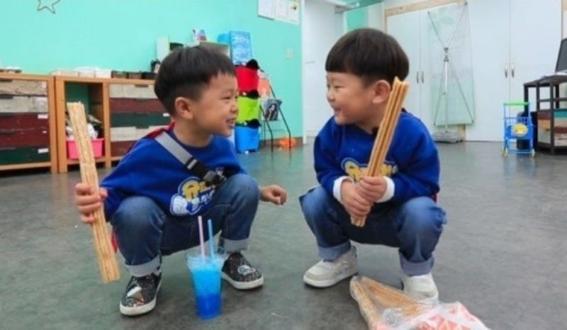 """Si An And Seungjae Are Best Friends In New """"The Return Of Superman"""" Stills"""