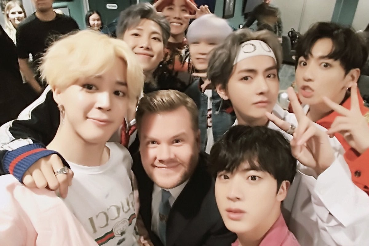 "Bang Shi Hyuk Shares Texts From BTS About Their Experience On ""The Late Late Show With James Corden"""