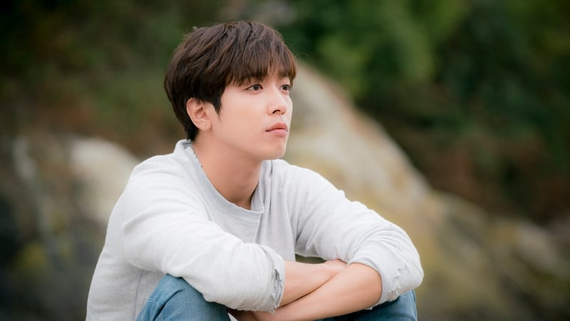 Jung Yong Hwa Discusses How CNBLUE Members Approach Balancing Music And Acting