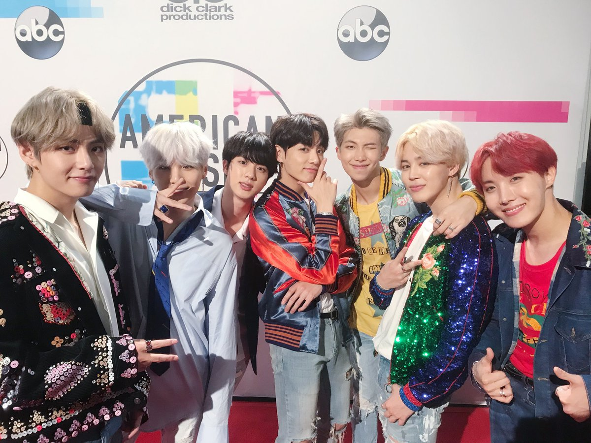 Stars Show Support For BTS And Their 2017 AMAs Performance