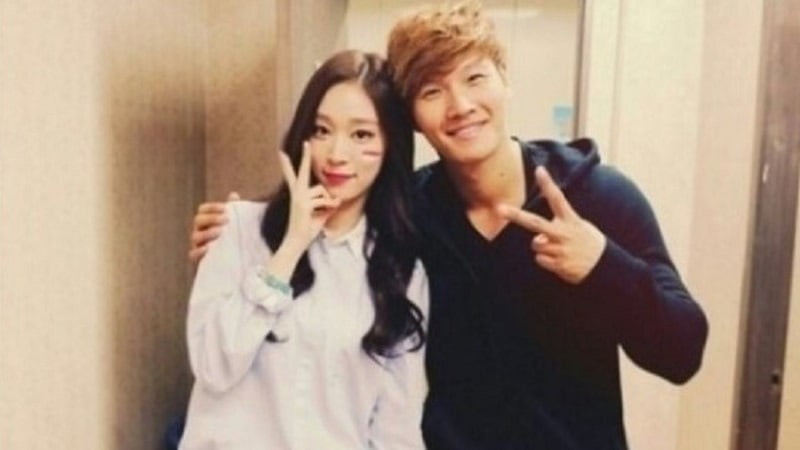 "Kim Jong Kook Cheers On His Niece And ""The Unit"" Contestant Soya"
