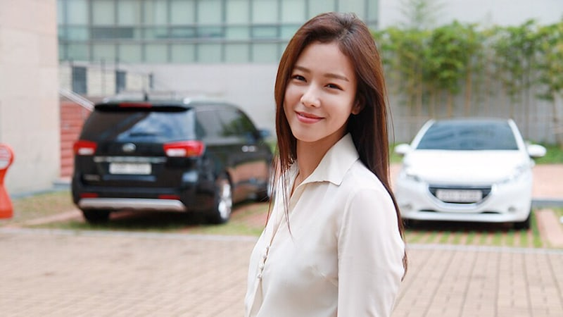 """Kyung Soo Jin Shares Her Thoughts About Making Cameo On """"Untouchable"""""""