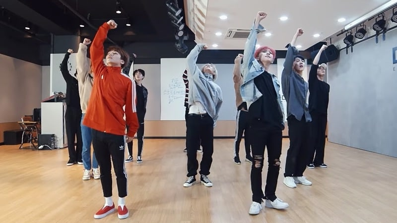 "Watch: PENTAGON Showcases Powerful Choreography In Dance Practice Video For ""Runaway"""