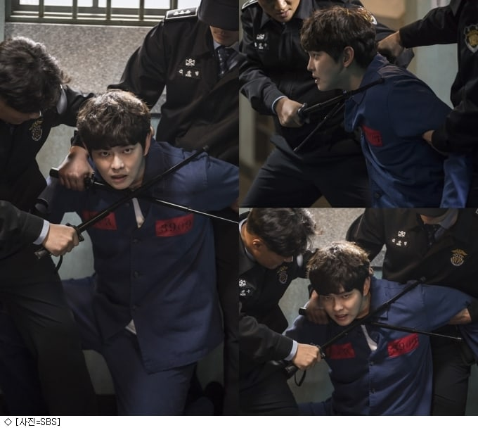 """Yoon Kyun Sang Literally Fights Against His Fate In New Stills For """"Oh, The Mysterious"""""""