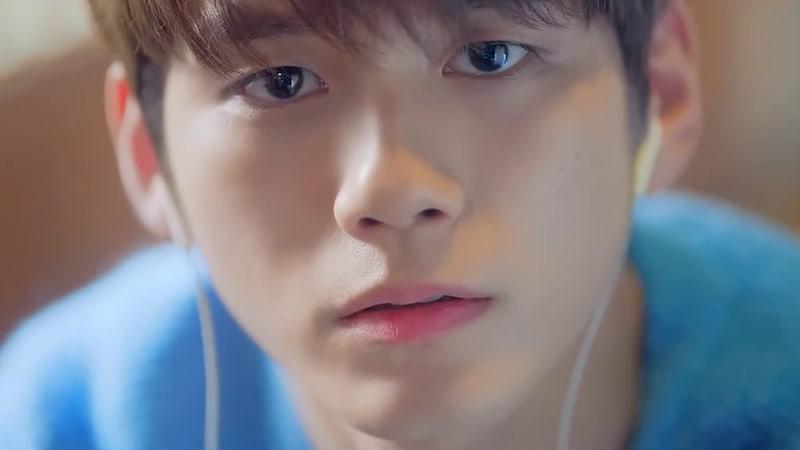 5 Lagu Kpop Terbaru Tentang Cinta Enggak Terbalaskan. Bikin Baper!