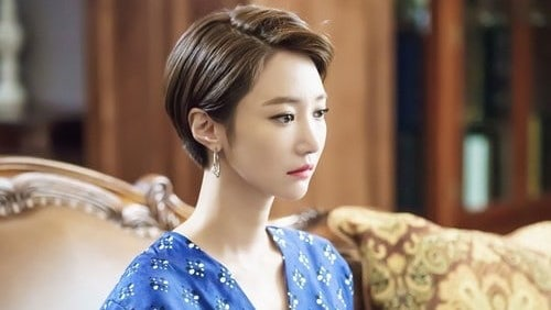 """Go Jun Hee Gives Off Elegant Aura In New """"Untouchable"""" Behind-The-Scenes Photos"""