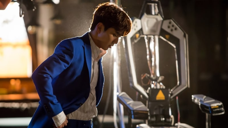 """I Am Not A Robot"" Reveals Stills Of Yoo Seung Ho Looking Lost In Thought"