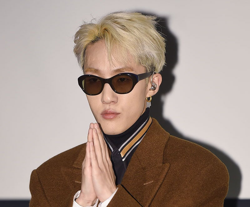 """Zion.T Grabs Top Spot On All Major Realtime Charts With """"Snow"""" Featuring Lee Moon Sae"""