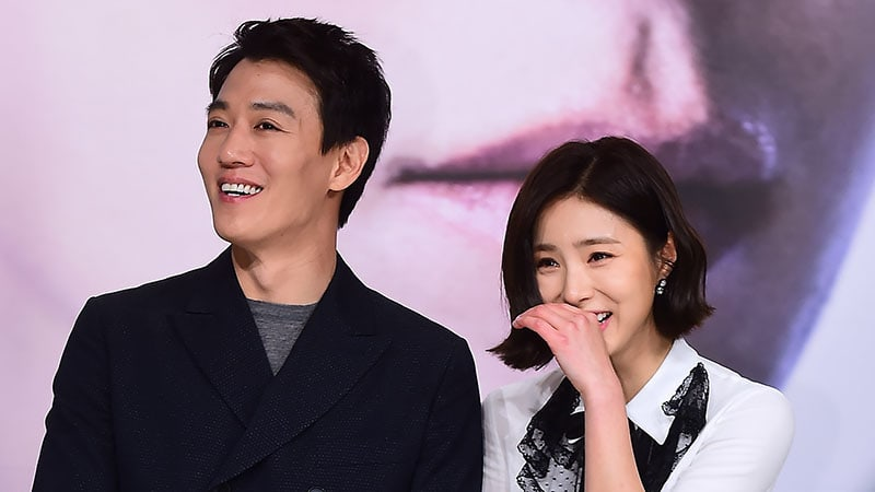 """Black Knight"" Leads Kim Rae Won And Shin Se Kyung Make Unusual Ratings Promise"