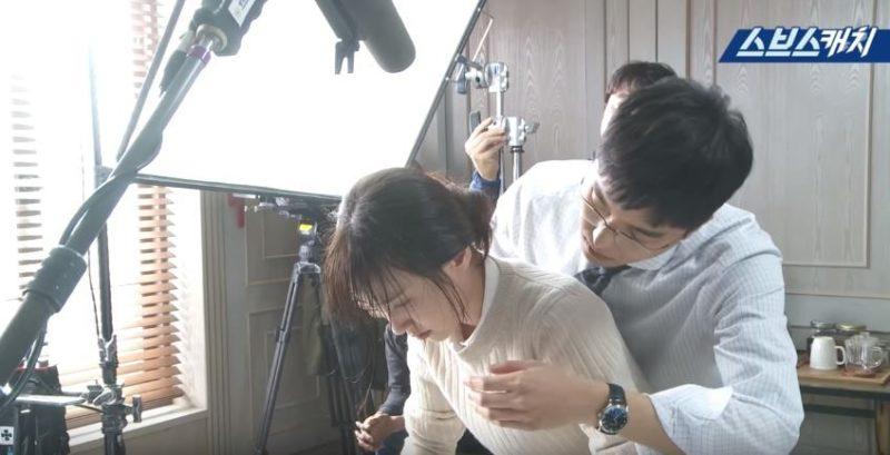 "Watch: Yeon Woo Jin Adorably Struggles In Scene With Park Eun Bin In ""Judge Vs. Judge"""