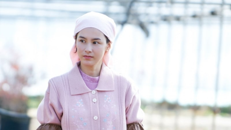 """Kang Hye Jung Is Ready To Get Down To Work In New Stills For """"Jugglers"""""""