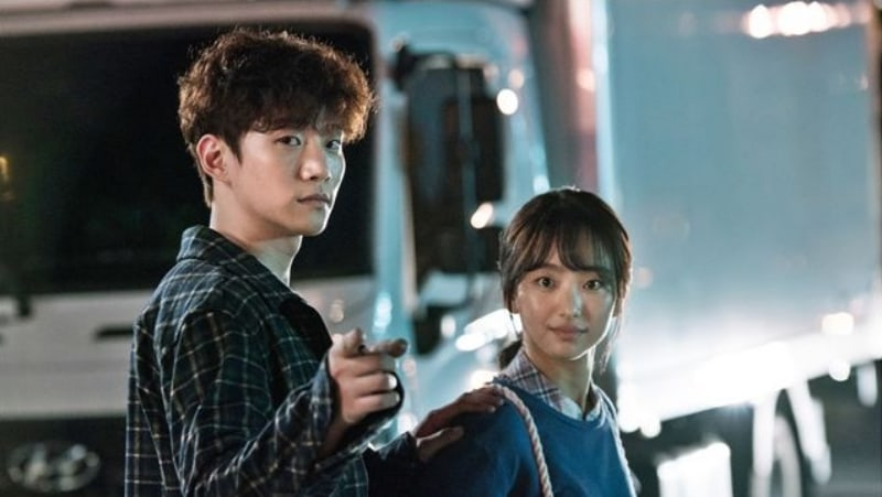 """2PM's Junho And Won Jin Ah Look Cute Together Behind The Scenes Of """"Just Between Lovers"""""""
