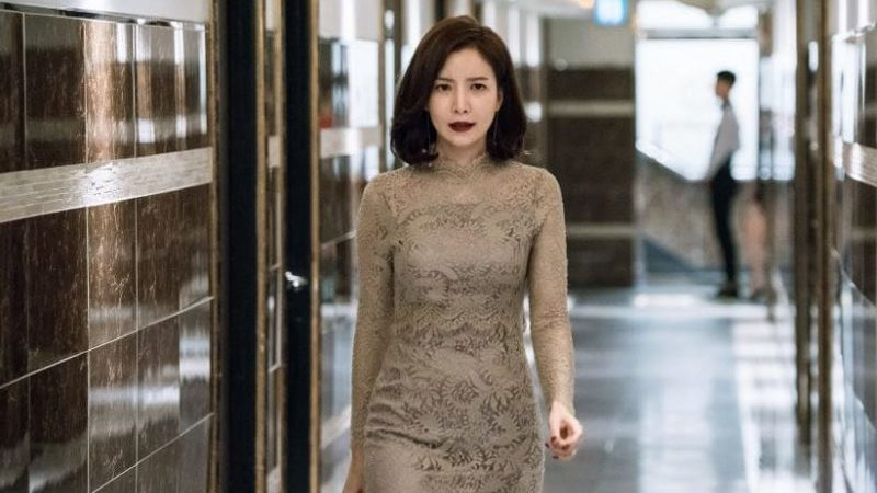 "Yoon Se Ah Transforms Into A Charismatic Club Owner In New ""Just Between Lovers"" Stills"