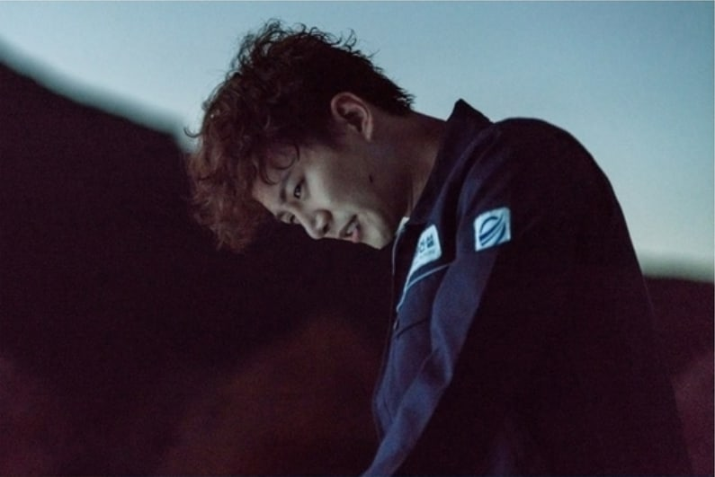 """2PM's Junho Lets Out Intense Emotions In """"Just Between Lovers"""" Stills"""