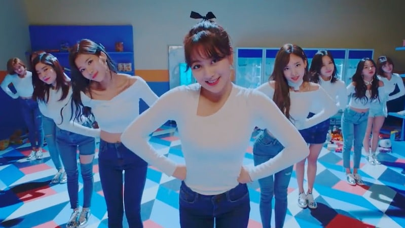"""TWICE Stays Strong With """"Heart Shaker""""; Soompi's K-Pop Music Chart 2018, January Week 2"""