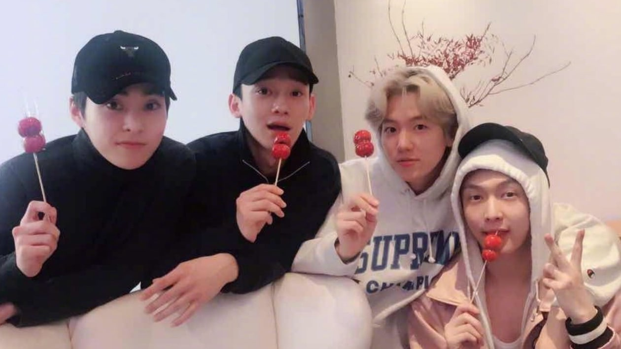 EXO-CBX Meets Up With Lay In China
