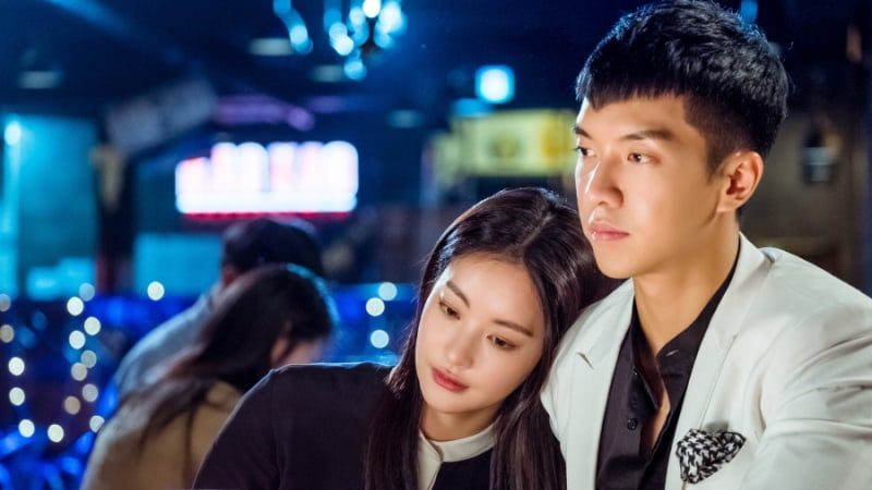 """Oh Yeon Seo And Lee Seung Gi Preview Their Sweet Romance In """"Hwayugi"""""""