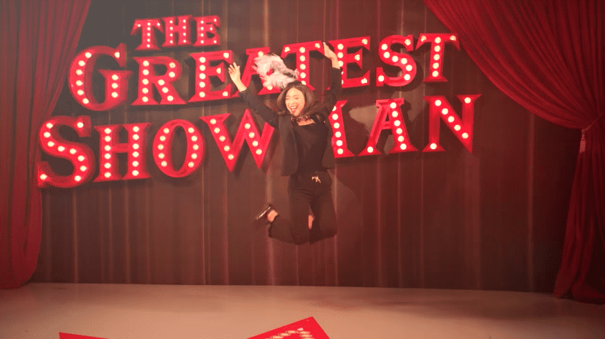 "Watch: f(x)'s Luna Officially Releases Solo Cover Of ""This Is Me"" From ""The Greatest Showman"""
