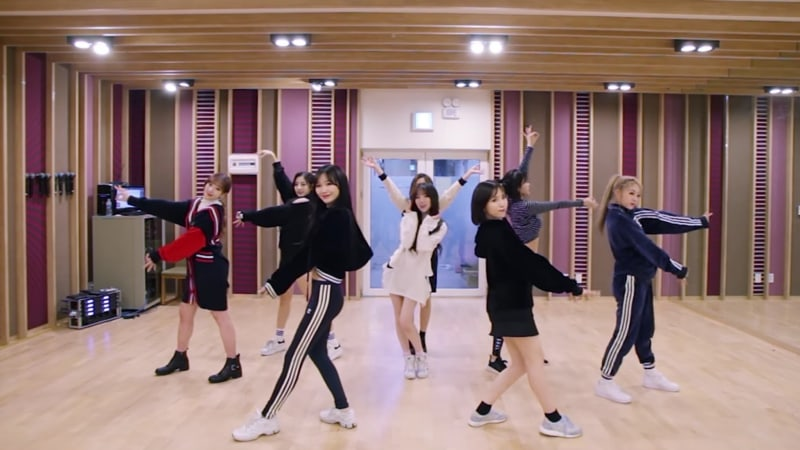 """Watch: Lovelyz Releases Cute Dance Practice Video For """"Twinkle"""""""