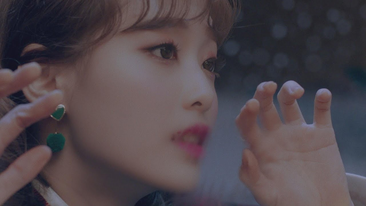 "Watch: LOONA Presents New Member Chuu Through MV For ""Heart Attack"""