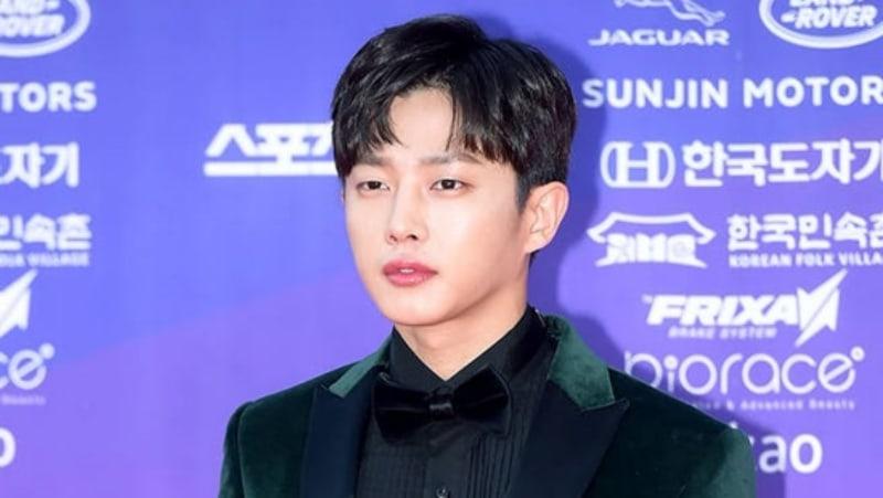 """Kim Min Suk Considering MC Offer For """"Begin Again 2"""""""