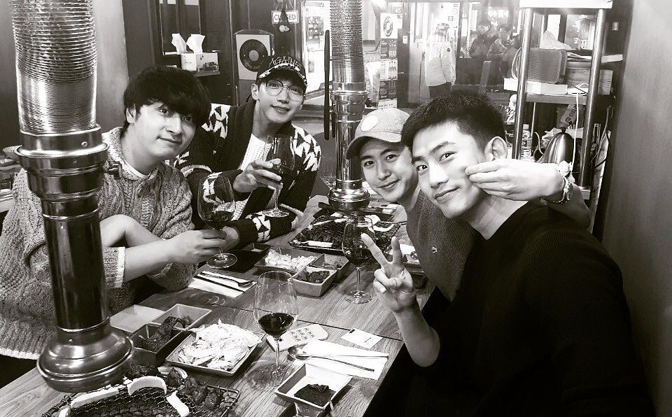 2PM Reunites With Taecyeon And Celebrates The New Year