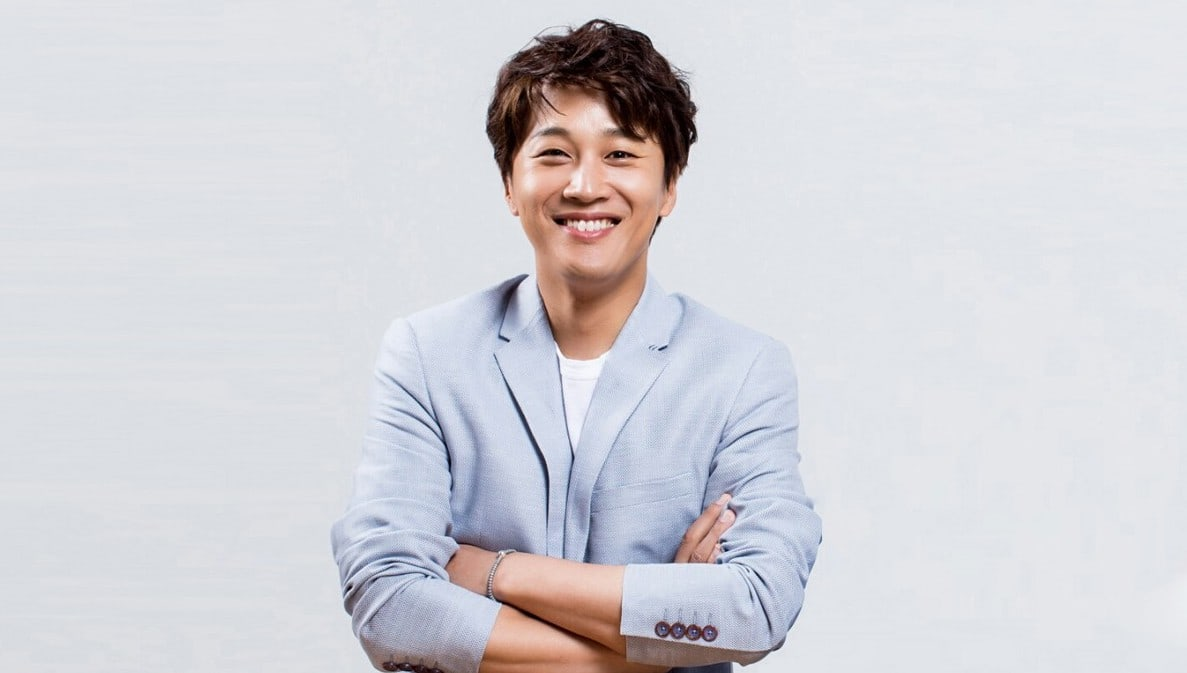 "Cha Tae Hyun Becomes Regular MC On ""Radio Star"""