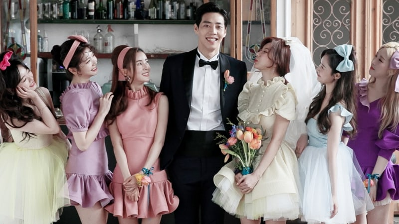 After School, Dalshabet, And SONAMOO Members Join Jung Ah In Fun Wedding Photo Shoot